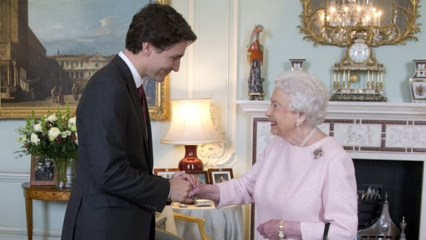The PM and the Queen: Talking about the state of the world and bringing hope to Canadians | CBC News