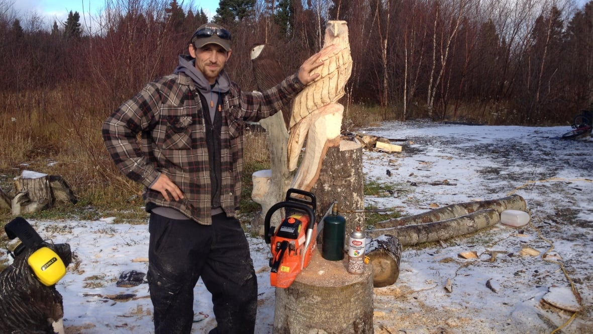 Carver corey chaulk creating art with a chainsaw