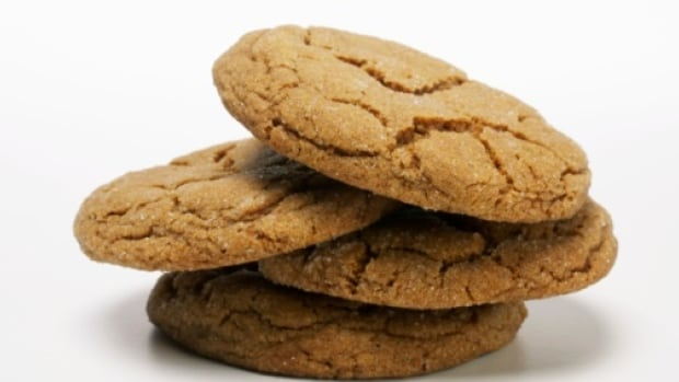 This week's featured holiday recipe from a North by Northwest listener is for ginger snaps.