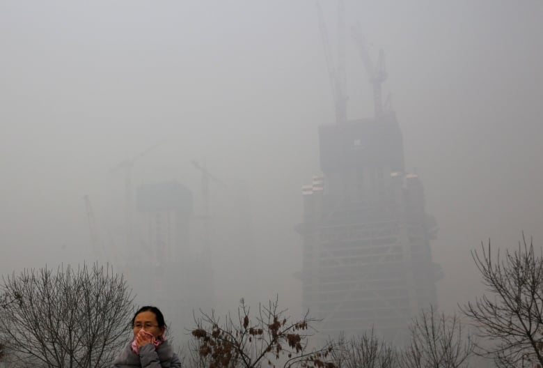 Beijing pollution hits extremely hazardous levels