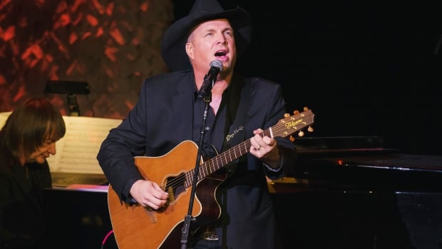 Singer and songwriter Garth Brooks will perform five concerts in Hamilton on March 24 through 27. There are two concerts on March 26.