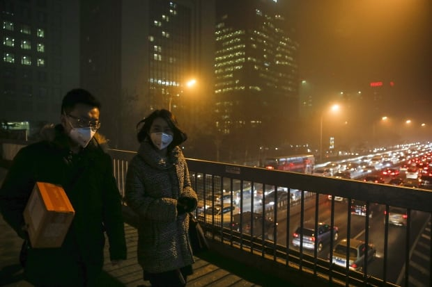 Beijing bad air quality Nov 30 2015 smoggy overpass