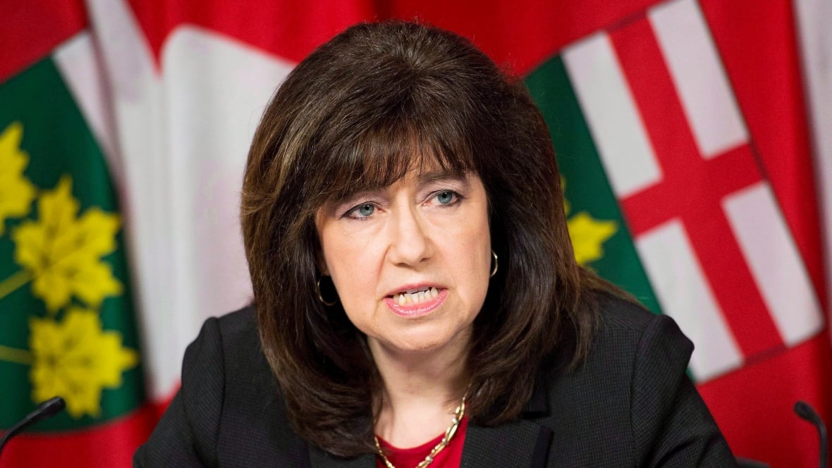 Government ads about cutting hydro bills a 'pat on the back': auditor general