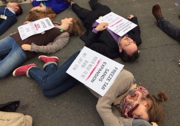 'Die-in' by youth demonstrators