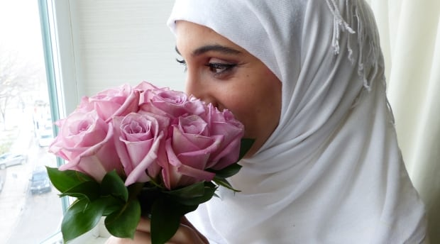 Athar Farroukh finally gets her wedding photos