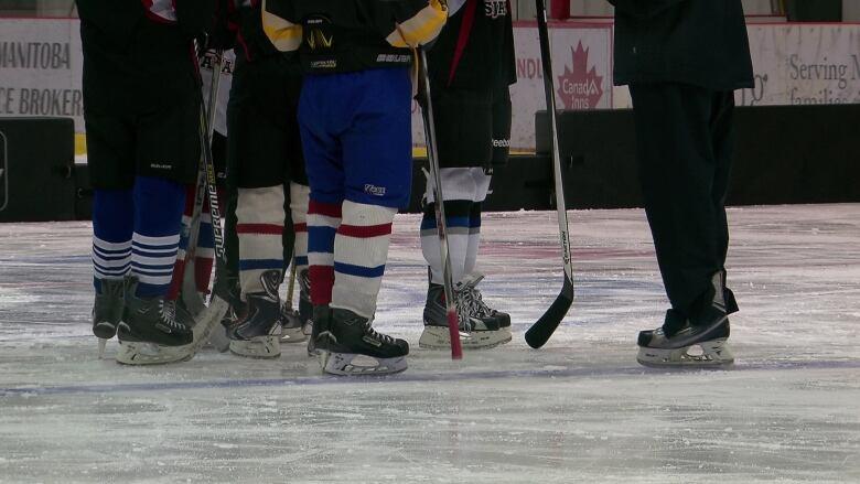 Some Manitoba hockey parents want fewer bodychecks | CBC News