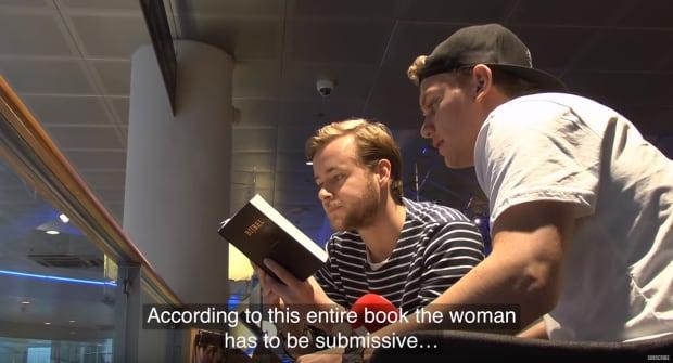 Bible Quar'an experiment Dit Is Normaal