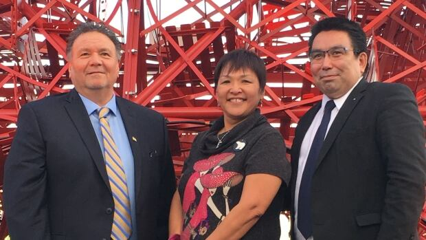 Nunavut Premier Peter Taptuna, ICC Chair Okalik Eegeesiak and Greenland Minister of Finance, Mineral Resources and Foreign Affairs Vittus Qukaukitsoq released a joint statement Tuesday at COP21 in Paris.