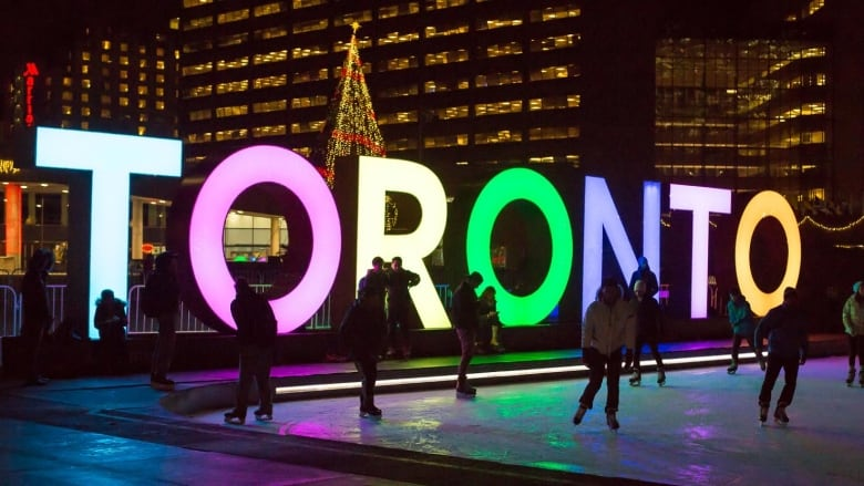 Toronto sign needs $150K from taxpayers for maintenance until end of 2016, committee says