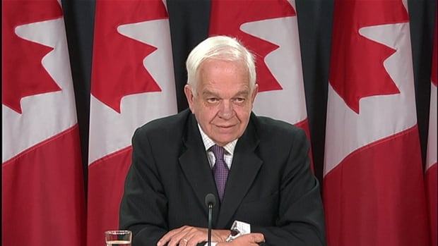 Immigration, Refugees and Citizenship Minister John McCallum provides an update on the plan to bring 25,000 Syrian refugees to Canada.