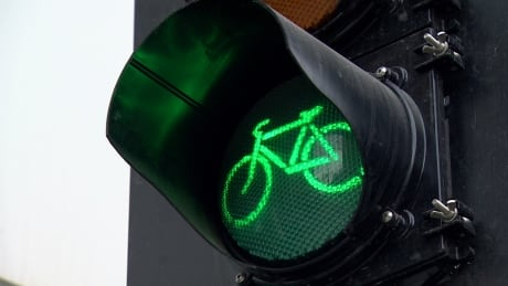 Calgary cycle track traffic signal