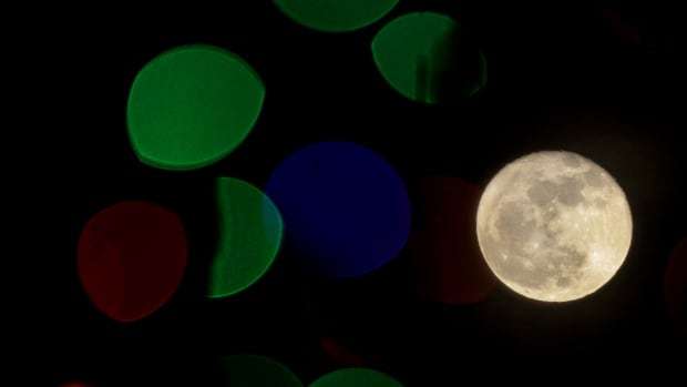 Christmas full moon to arrive for 1st time since 1977 - Technology ...