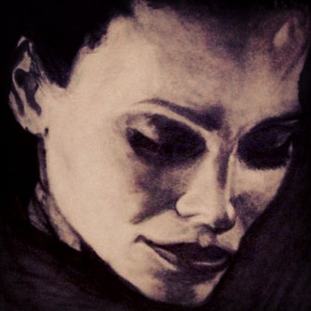 Illustration in charcoal.