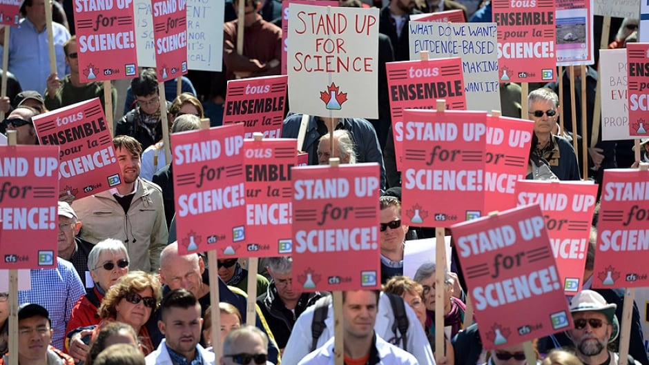 Scientists rally on Parliament Hill in Ottawa on September 16, 2013