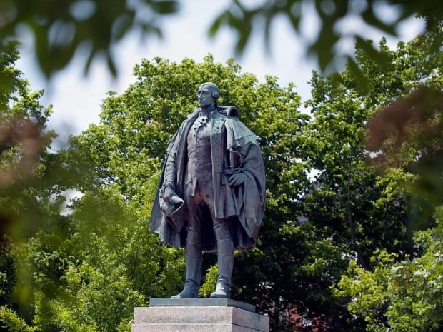 Halifax Cornwallis Statue 20151213