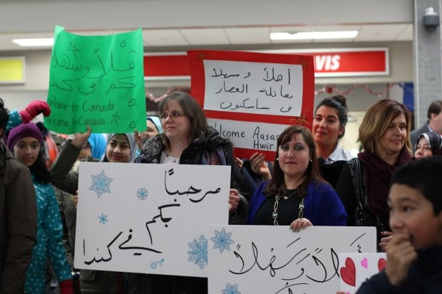 Saskatoon - Refugees arrival - supporters