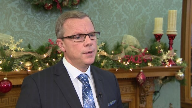 Premier Brad Wall says while oil prices are low, the federal government should consider returning some of the money it gets from the province's taxpayers.