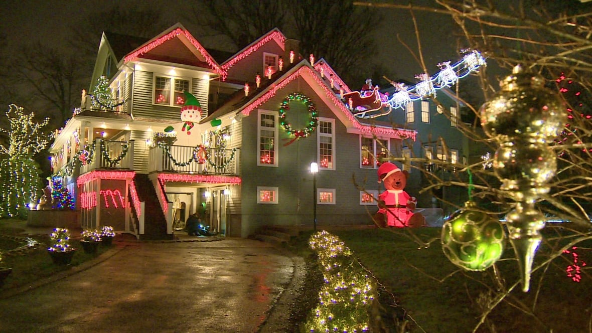 Christmas House Decoration.South End Halifax Brothers Go Big With Christmas Lights