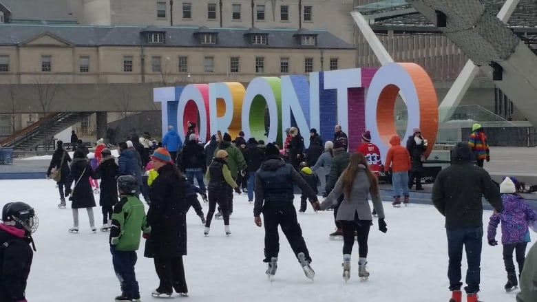 What S Open And Closed In Toronto For New Year S Eve And New Year S Day Cbc News