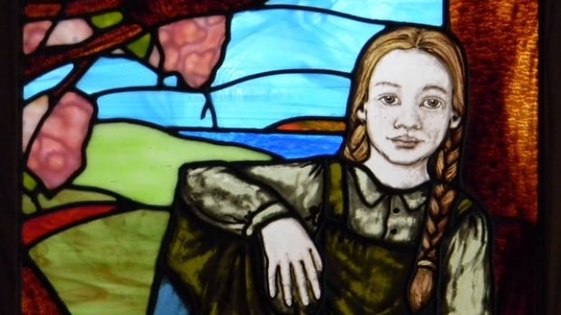 An Anne of Green Gables stained glass piece created by Charlottetown artist Susana Rutherford has been sold to a children's clinic in the U.S.