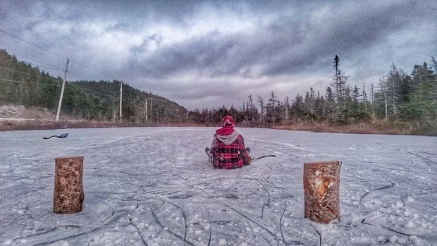 Many people are taking advantage of the chilly weather and iced-over ponds to go skating. The Lifesaving Society is encouraging people to check the thickness of the ice before heading out.