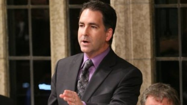 Windsor West NDP MP Brian Masse thinks Canada should recognize its veterans with free passports.