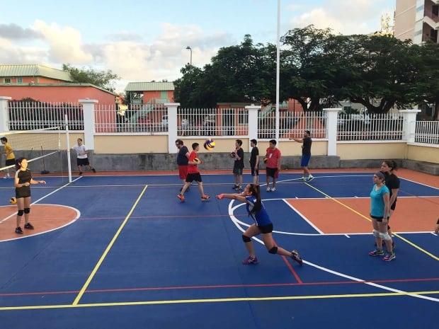 nunavut volleyball st. maarten