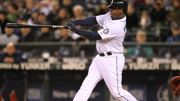 Ken Griffey Jr. set a record for highest percentage of votes, 99.32 per cent, as he was named to baseball's Hall of Fame Wednesday along with Mike Piazza.
