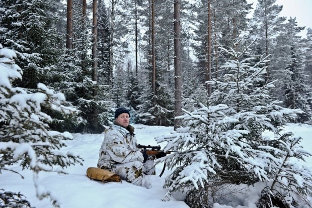 SWEDEN has lots of guns hunter in Jan 2011