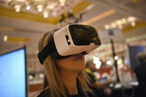 CES 2016 ZEISS VR ONE