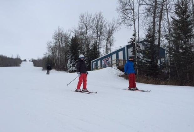 Saskatchewan - skiers - Table Mountain