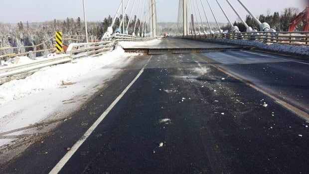 Nipigon River Bridge fails in cold