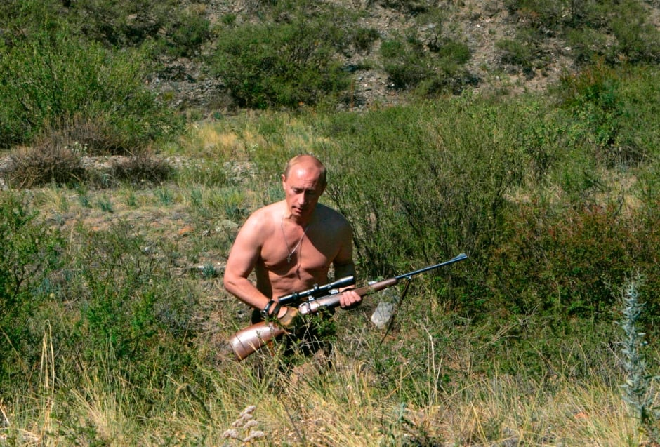 Putin goes hunting shirtless in Siberia in 2007
