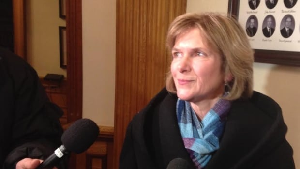 Auditor General Kim MacPherson and other independent legislature officers were told Wednesday their 2015-16 budgets will be frozen at current levels.
