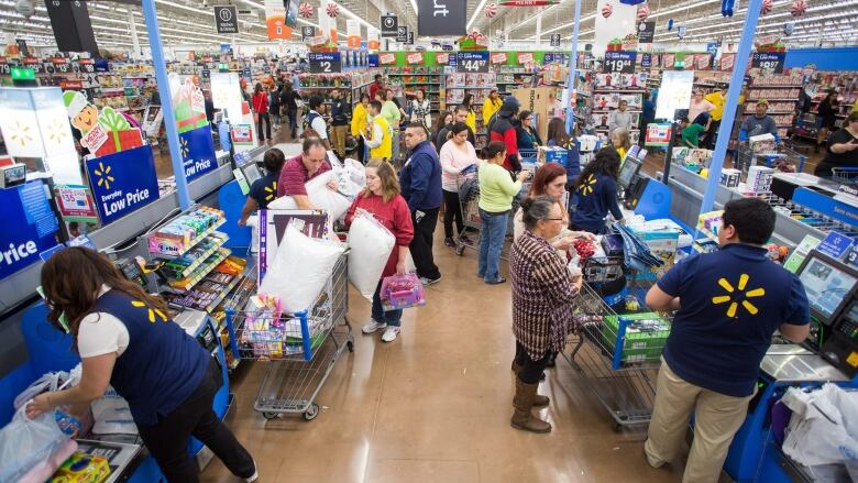 Charlottetown Walmart eliminates fitting rooms | CBC News