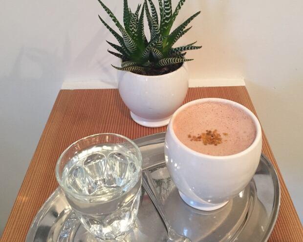 'THE BUZZZZZ' Hot chocolate