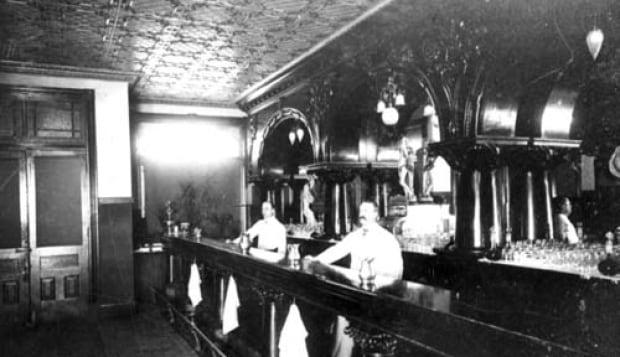 bar of alberta hotel