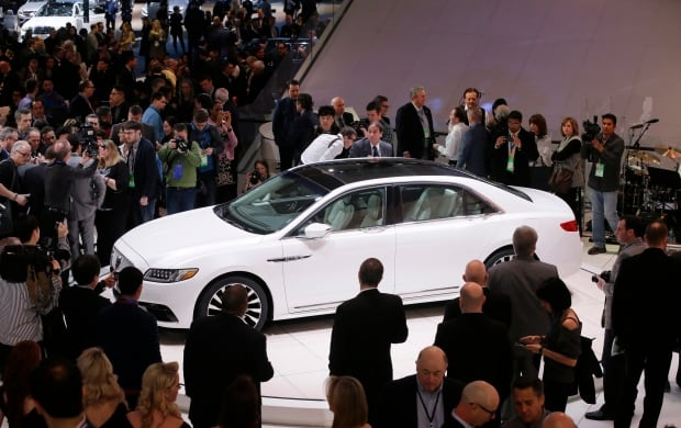 2017 Lincoln Continental at Detroit auto show in January 2016