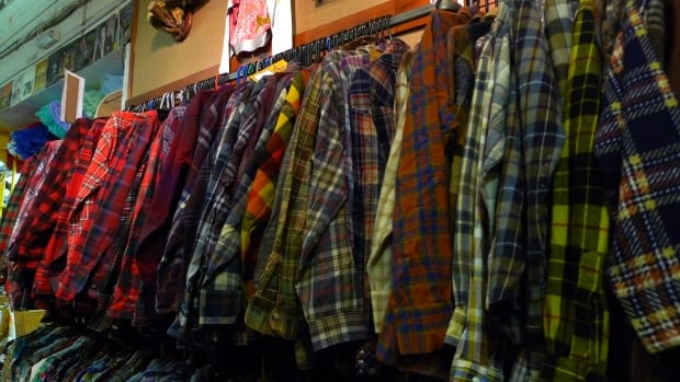 If you had to classify every shirt as a single colour, what information would you lose about each shirt?