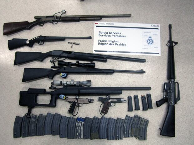 Guns seized at North Portal, Sask., on Aug. 22, 2015