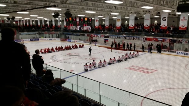 South Korea beat Russia 4–2 on Saturday to win bronze at the 2016 World Sledge Hockey Challenge in Bridgewater, N.S. on Saturday.