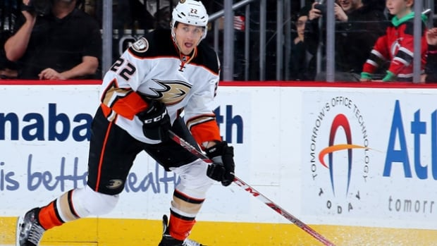 Anaheim Ducks forward Shawn Horcoff has been suspended for 20 games by the National Hockey League for violating the terms of its performance enhancing substances program.
