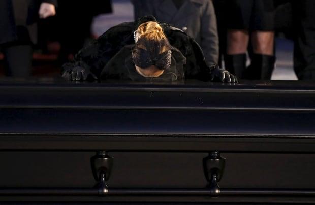 WIP Celine Dion kisses casket of husband Rene Angelil Jan 22 2016