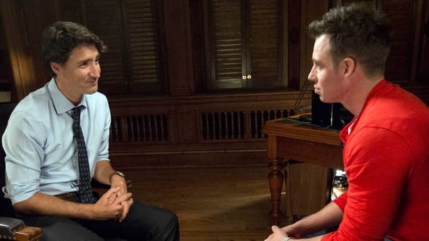 Ten Canadians from across the country each sit down with Justin Trudeau alone in his office, face to face behind closed doors, to ask frank questions about policies that affect their everyday lives.
