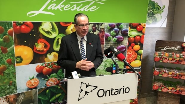 Ontario's Agriculture Minister Jeff Leal announces province's $1-million investment to help expansion of Lakeside Produce Inc.
