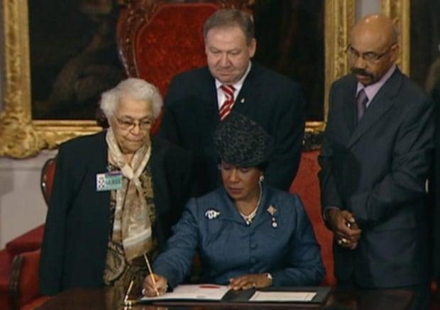 Pardon signing