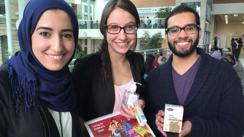 University Students Create Health Packs For Syrian Refugees In Manitoba Cbc News