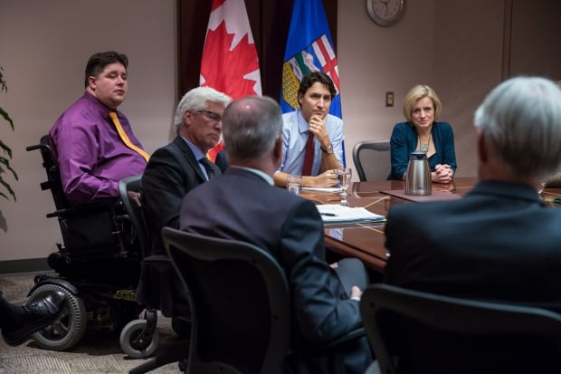 Trudeau meets with oil execs in Calgary