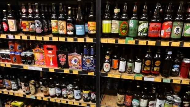 Liquor stores in Edmonton could be open to a little more competition if a move to amend city zoning bylaws goes through Monday.