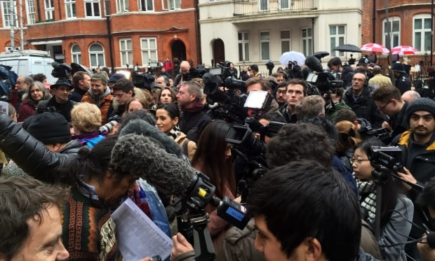 Assange crowd